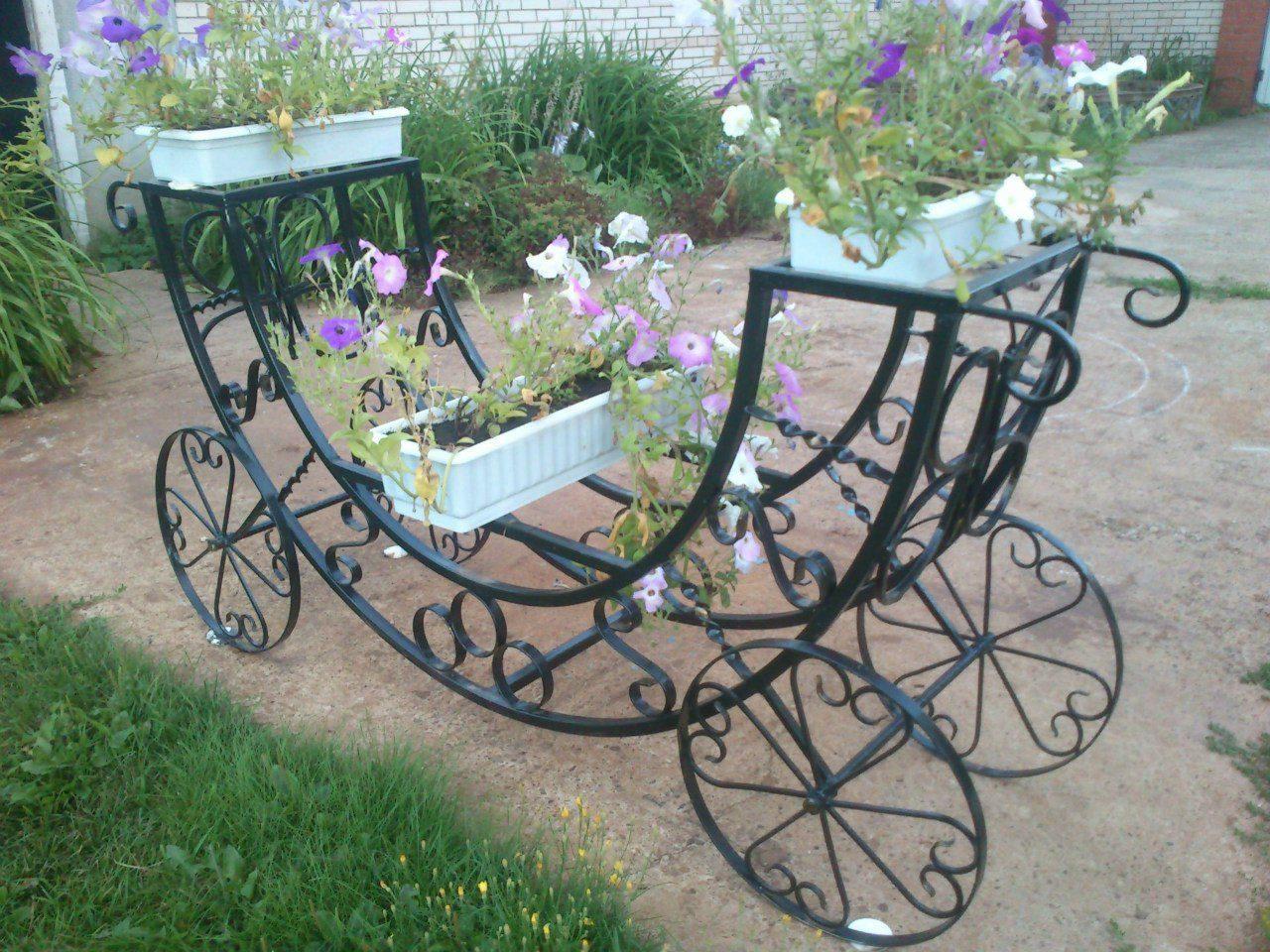 сути, кованые садовые цветочницы фото популярны только