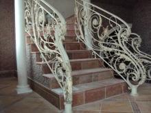 Лестницы кованые цена изделия