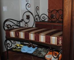 Кованые банкетки и обувницы №141