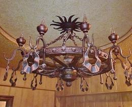 Кованые люстры, фонари, светильники, подсвечники №112