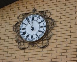 Кованые часы в Воронеже №99