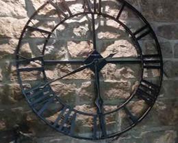 Кованые часы в Воронеже №25