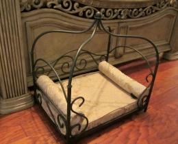 Кованая мебель для питомцев №125